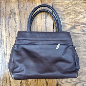 Adorable and functional Vintage Giani Bernini Bag.